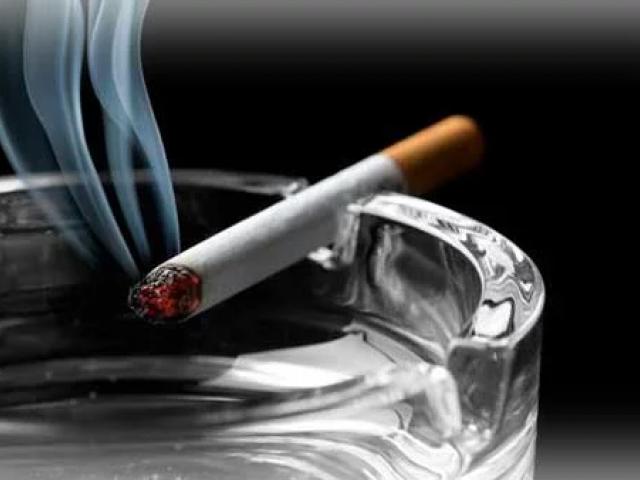 Как вывести табачный запах из квартиры?